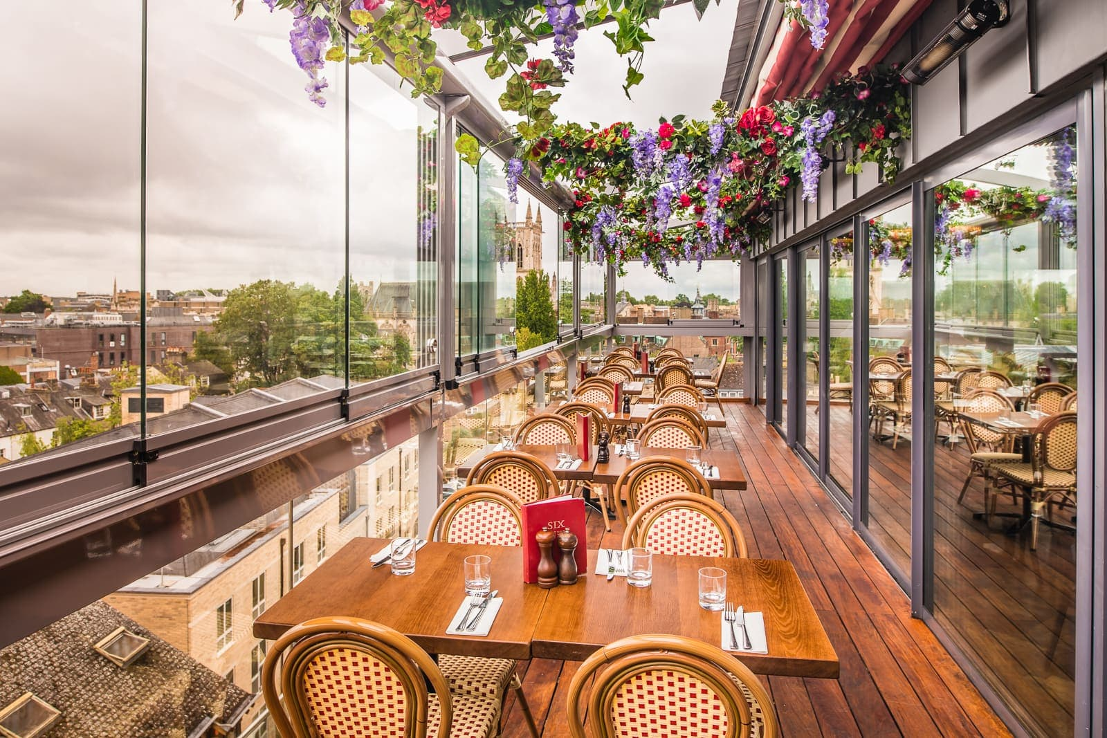 Six Brasserie Riverside Restaurant At The Varsity Hotel